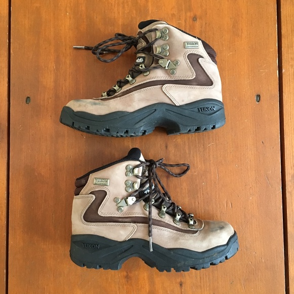 f05b406d01f Women's Yukon Ascent Hiking Boots